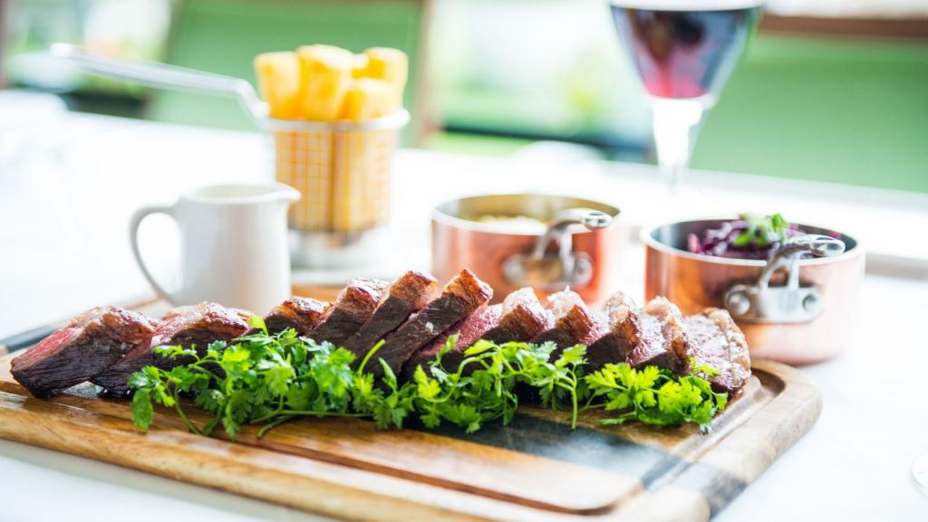 High up on the 7th floor with amazing views over London's skyline and The Roof Gardens, Babylon Restaurant offers seasonal British menus.