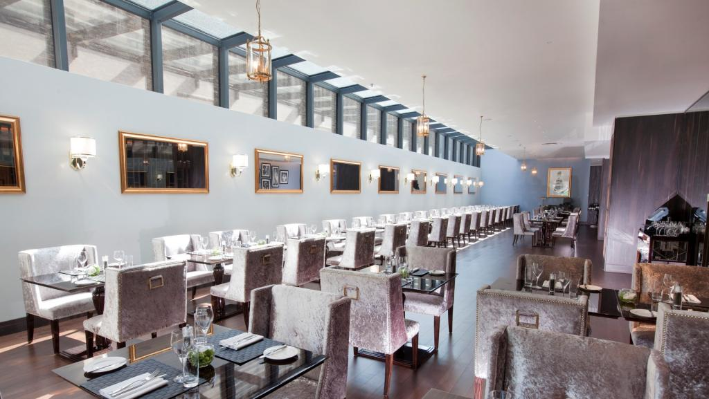 Pictures, located near Olympia London is an all-day dining contemporary brasserie style restaurant with great bites in the buzzing part of Shepherds Bush Green.